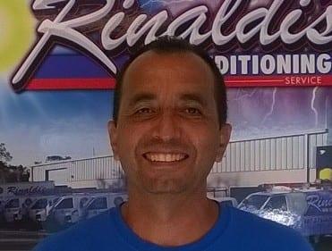 Alberto Mendoza