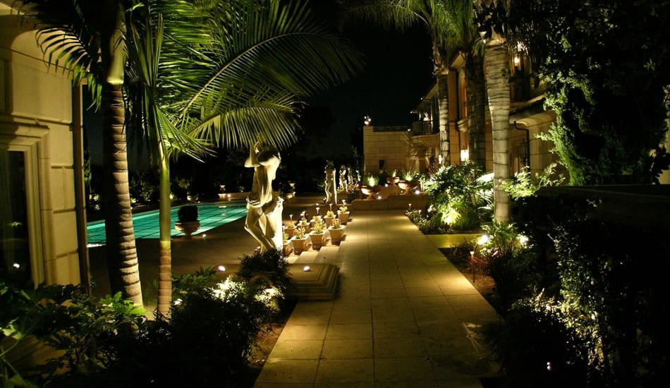 low-voltage-landscape-lighting-hub